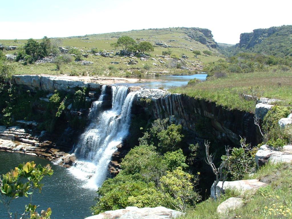 horseshoe-falls-mkambati-nature-reserve-wild-coast