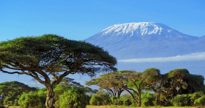 Visit Africa : Eye See Africa - Mount Kilimanjaro